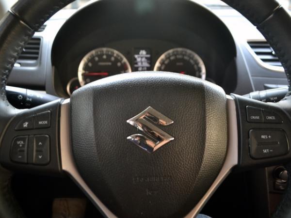 Suzuki Swift GLX año 2016