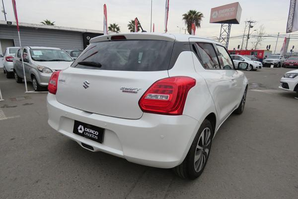 Suzuki Swift GLX año 2018