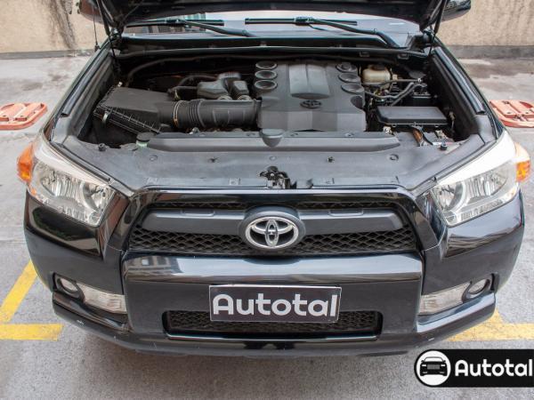 Toyota 4Runner Sr5 4x2 tela año 2011
