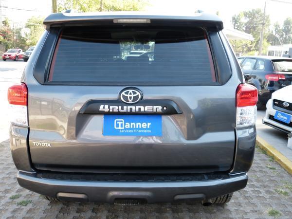Toyota 4Runner SR5 4X4 año 2012