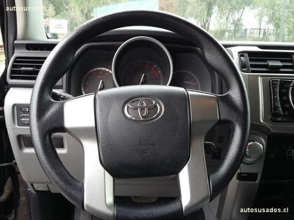 Toyota 4Runner SR5 4X2 ES Portillo año 2012