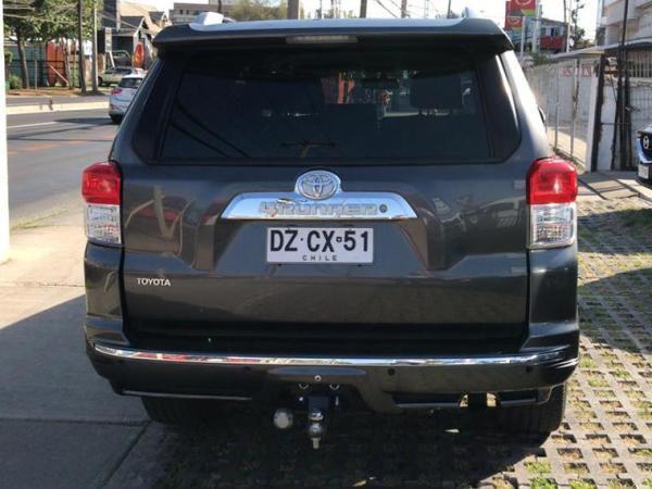 Toyota 4Runner SR5 año 2012