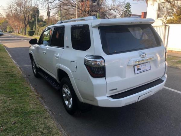 Toyota 4Runner SR5 año 2016