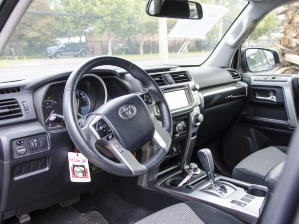 Toyota 4Runner SR5 4X4 año 2017