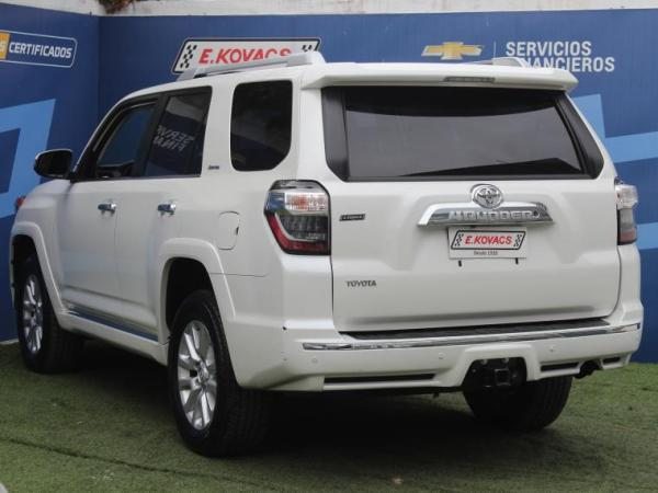 Toyota 4Runner 4.0 4X4 LTD año 2018