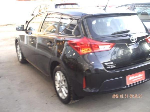 Toyota Auris LEI 1.6 año 2014
