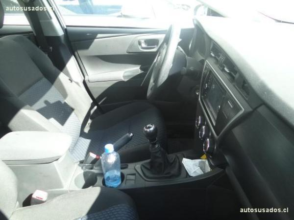 Toyota Auris 1.6 año 2014