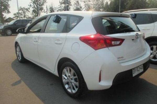 Toyota Auris NEW MT año 2015