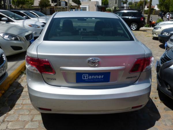 Toyota Avensis GLI 2.0 año 2011