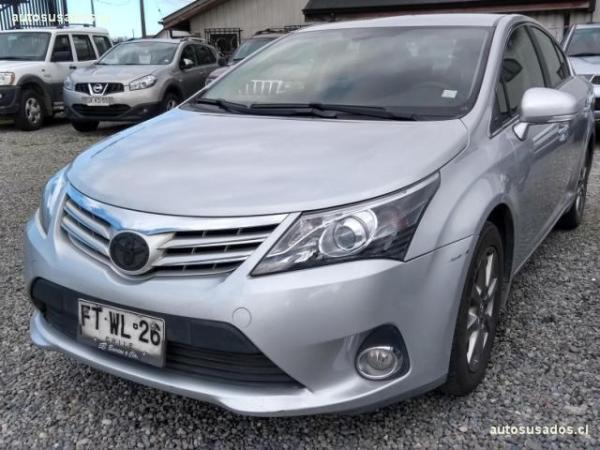 Toyota Avensis LEI AT año 2013