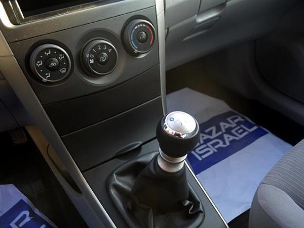 Toyota Corolla COROLLA XLI 1.6 año 2013