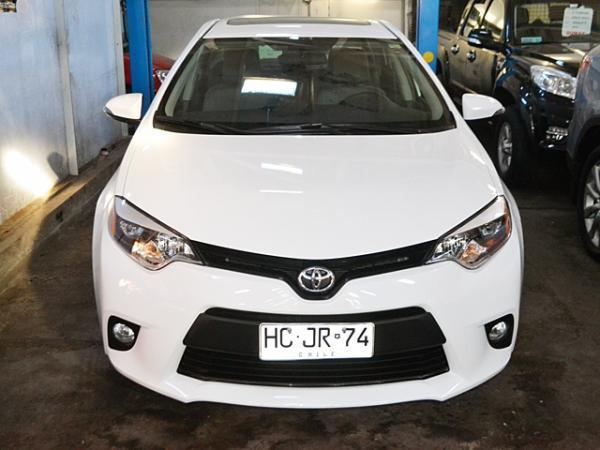 Toyota Corolla LE año 2015