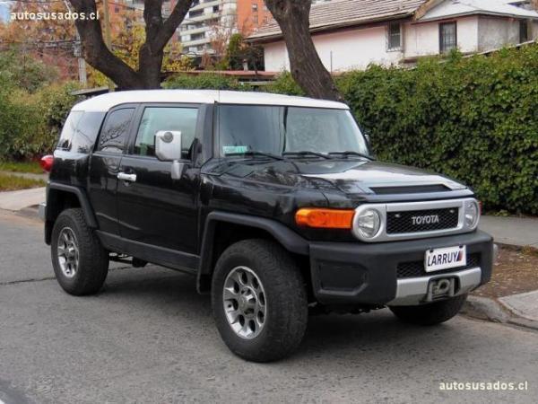 Toyota FJ Cruiser 4x4 4.0 año 2011