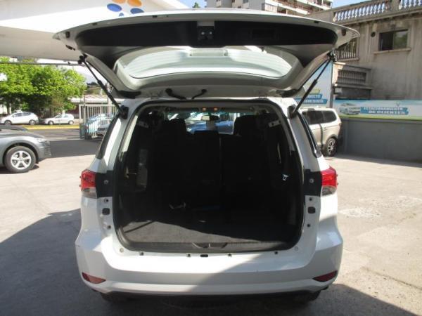 Toyota Fortuner SR5 4WD año 2020