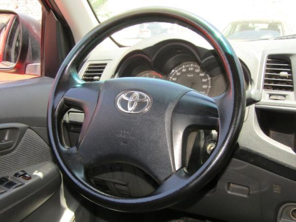 Toyota Hilux NEW HILUX DSL 2.5 D/C 4x2 año 2015