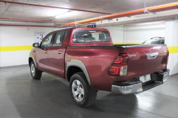 Toyota Hilux 2.4 TM 4X4 TDI D/C E5 año 2016
