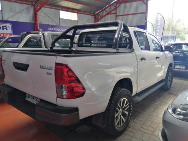Toyota Hilux DCAB 2,7 MT año 2017