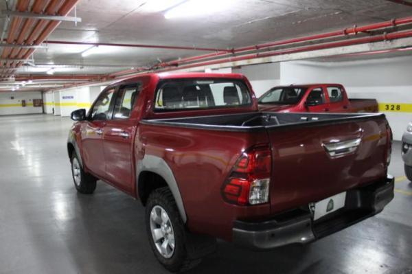 Toyota Hilux D CAB 4X4 2.4 año 2017