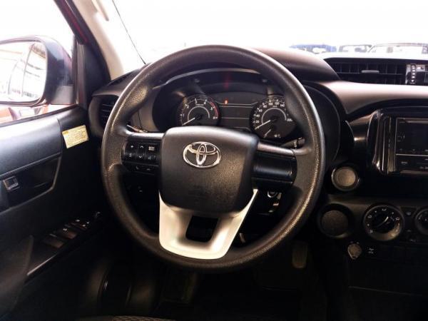 Toyota Hilux TDI 2.4 DX año 2018