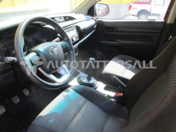 Toyota Hilux DX año 2018
