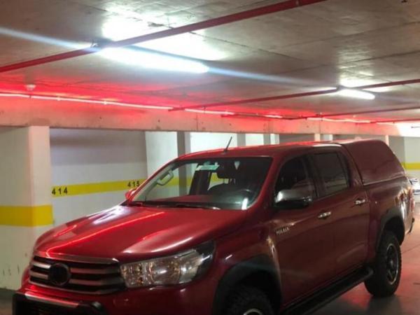 Toyota Hilux s.r 2.4 4x4 año 2018