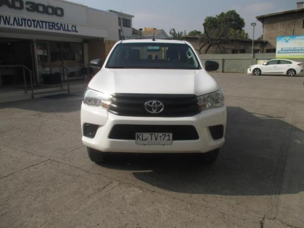 Toyota Hilux DX 4X2 MT año 2018