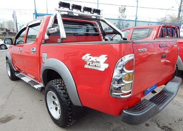 Toyota Hilux 4X4 534 TOYOTA HILUX DCAB 2.5 año 2011