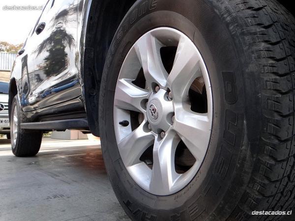 Toyota Land Cruiser TX LARGO 4X4 3 año 2010
