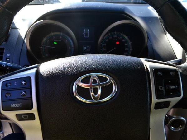 Toyota Land Cruiser LANDCRUISER PRADO 4.0 año 2011
