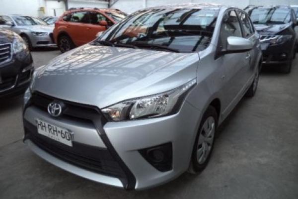 Toyota New Yaris SPORT GLE MT año 2015