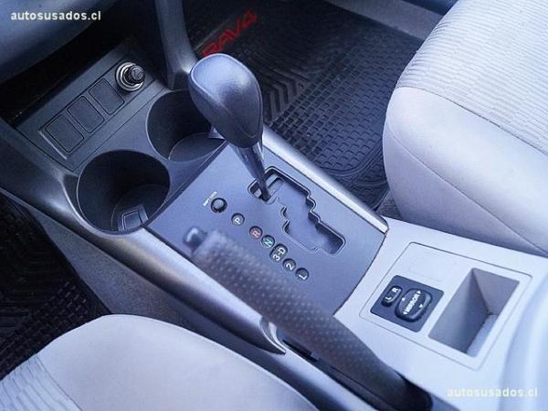 Toyota Rav 4 2.4 año 2012