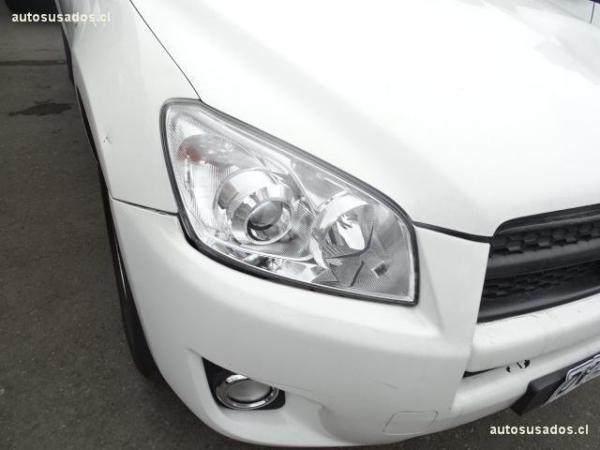 Toyota Rav 4 2.4 AT año 2012