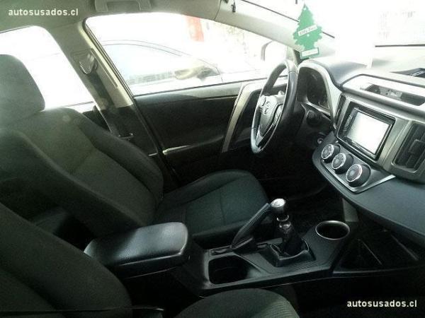 Toyota Rav 4 2.5 MT año 2013