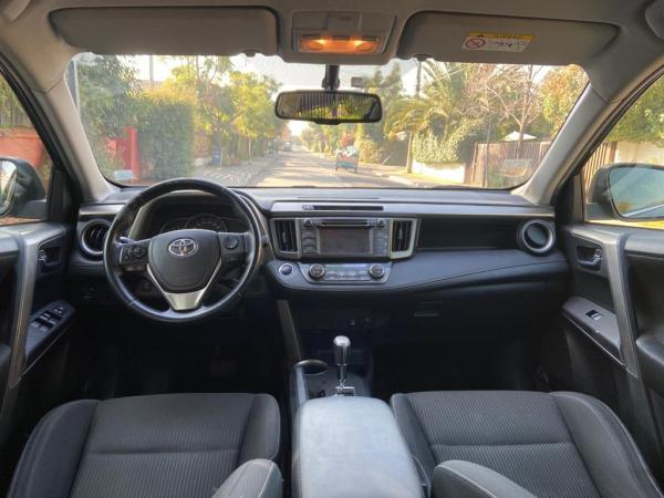 Toyota Rav 4 4x4 año 2014