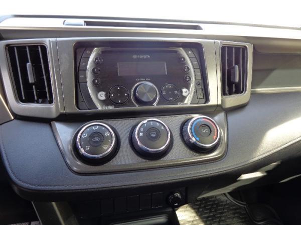 Toyota Rav Advantage  año 2013
