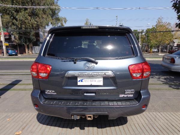 Toyota Sequoia  año 2011