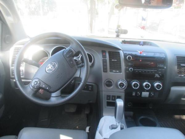 Toyota Sequoia Ltd 4x4 5.7 año 2013