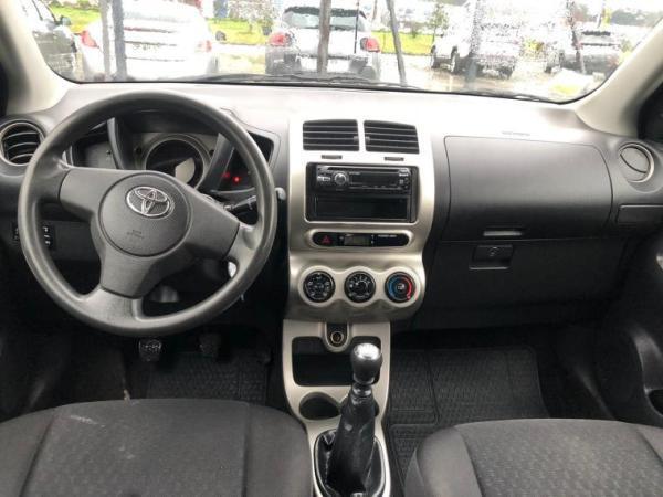 Toyota Urban 1.3 año 2010
