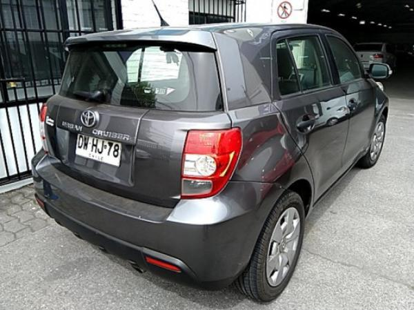 Toyota Urban CRUISER año 2012
