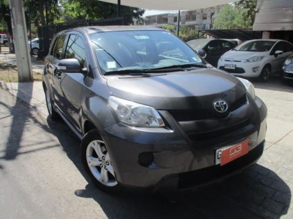 Toyota Urban 1.3 MT LEI año 2015