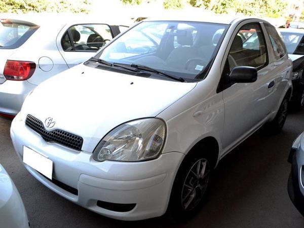 Toyota Yaris XLI 1.3 año 2005