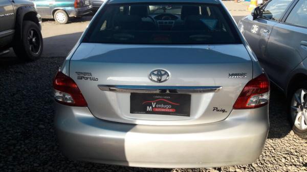 Toyota Yaris  año 2008