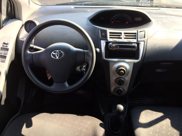 Toyota Yaris SPORT GLI año 2009