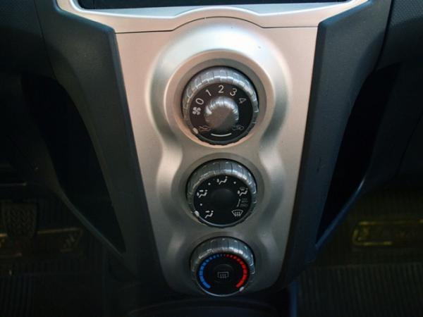 Toyota Yaris XLI 1.3 año 2009
