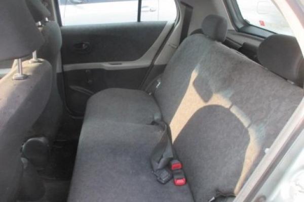 Toyota Yaris SPORT XLI STD 1.3 año 2010