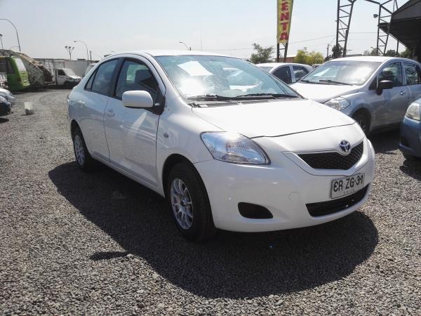 Toyota Yaris XLI 1.5 año 2011
