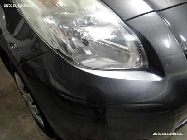 Toyota Yaris yaris año 2011