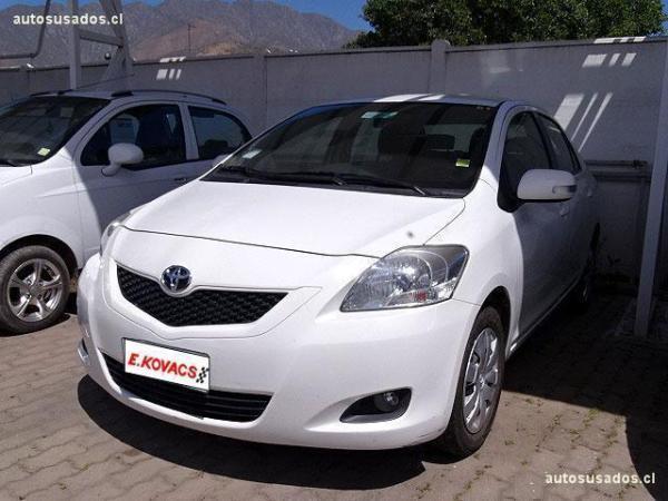 Toyota Yaris 1.5 año 2012