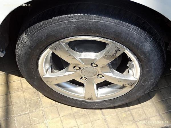 Toyota Yaris XLI año 2012