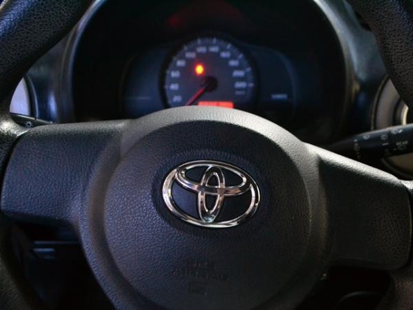 Toyota Yaris SPORT XLI año 2013